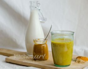 Trà sữa nghệ vàng